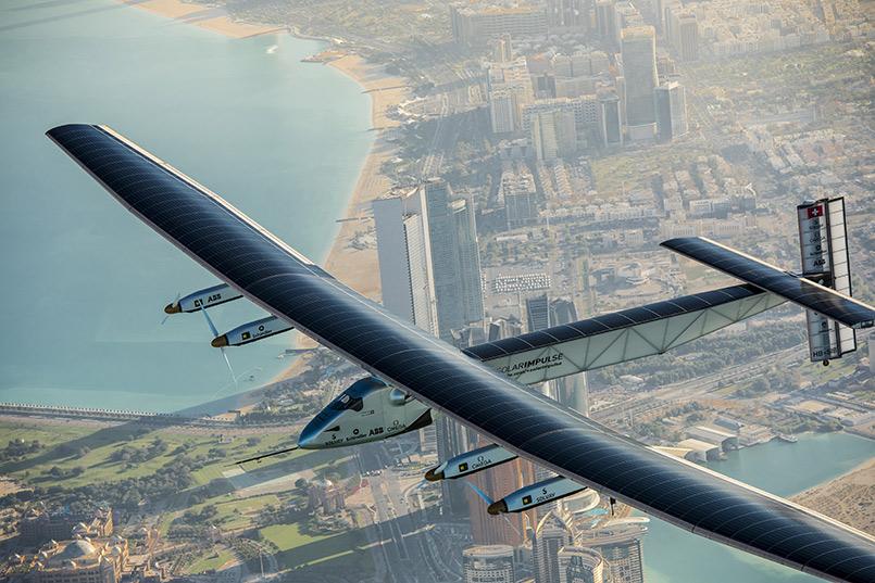 Solar Impulse 2 flying over Abu Dhabi (UAE) undertaking preparation flights for the first ever Round-The-World Solar 2015_03_01 © Solar Impulse   Stefatou   Rezo.ch