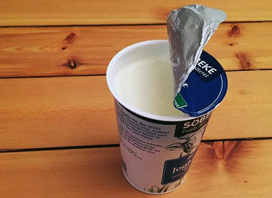 Joghurtbecher getrennt entsorgen